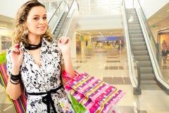 женщина покупкы мола Стоковое Фото
