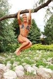 женщина положения культуризма Стоковые Фотографии RF
