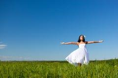 женщина поля Стоковая Фотография RF