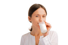 женщина портрета выпивая молока Стоковое Изображение