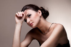 женщина портрета исключительных ювелирных изделий роскошная Стоковые Фото