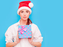 женщина подарка коробки Стоковые Фотографии RF
