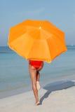 женщина предохранения от пляжа Стоковые Фотографии RF