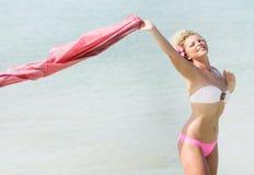женщина предпосылки красивейшая естественная отдыхая Стоковые Фото