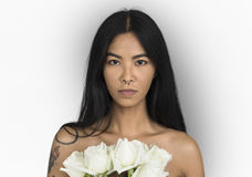 Женщина проколола букет цветка искусств комода кольца носа чуть-чуть Стоковая Фотография RF