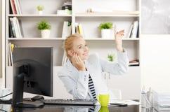 Женщина продаж на офисе Стоковые Изображения
