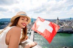Женщина путешествуя в городе Цюриха Стоковое фото RF