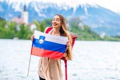 Женщина путешествуя в кровоточенный, Словения Стоковое Фото