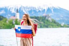 Женщина путешествуя в кровоточенный, Словения Стоковая Фотография RF