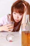 Женщина пьянства Стоковое Изображение RF
