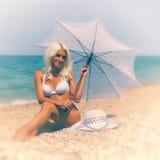 женщина пляжа красивейшая сбор винограда античной collectible открытки предмета почты родственный Стоковые Фотографии RF