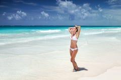 женщина пляжа красивейшая стоковые фото