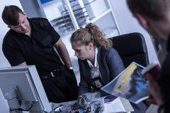 Женщина работая в полиции стоковая фотография rf