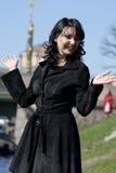 женщина реки канала предпосылки смеясь над Стоковые Изображения RF