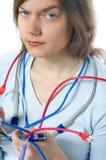женщина ремонта компьютера кабеля Стоковое Изображение RF