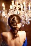 Женщина роскошной моды стильная в богатом интерьере Красивейшее gir Стоковое Изображение RF
