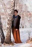 женщина рощи березы зимняя Стоковая Фотография RF