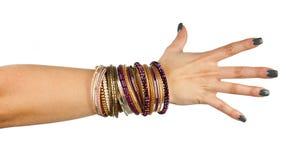 женщина руки браслетов стоковые изображения rf