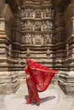 женщина сари khajuraho красная Стоковые Фото