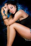 Женщина сексуального коренного американца девушки индийская с оплетками Стоковые Фото