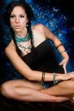 Женщина сексуального коренного американца девушки индийская с оплетками Стоковые Фотографии RF