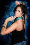 Женщина сексуального коренного американца девушки индийская с оплетками Стоковые Изображения RF
