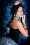 Женщина сексуального коренного американца девушки индийская с оплетками Стоковое Изображение RF