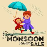 Женщина семьи с дождем девушки идя с зонтиком в руках, дождевых каплях капая в лужицы, младенца с мамой водоустойчивой Стоковые Изображения