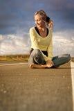 женщина сидит предназначенное для подростков Стоковые Изображения RF