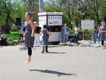 Женщина скачет Стоковая Фотография RF