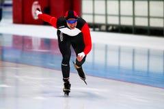 женщина скорости 500 m катаясь на коньках Стоковые Изображения RF