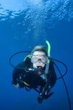 женщина скуба водолаза Стоковые Фото