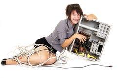 Женщина смеясь над с компьютером стоковое фото rf