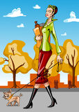 женщина собаки гуляя Стоковые Фото