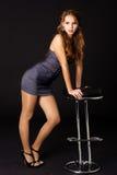 женщина солнечных очков стула сексуальная Стоковая Фотография
