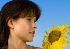 женщина солнцецвета Стоковые Фото