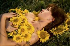 женщина солнцецветов Стоковое фото RF