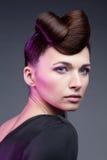 женщина состава стиля причёсок способа брюнет Стоковая Фотография