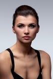 женщина состава стиля причёсок способа брюнет Стоковое Изображение RF