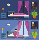 Женщина спит в ноче кровати и просыпает вверх в утре Стоковые Фото