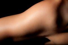 Женщина спорта плеча предплечья Стоковое Изображение RF
