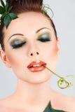 Женщина способа красивейшая с творческим искусством составляет Стоковые Фотографии RF