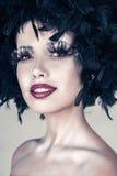 Женщина способа красивейшая с творческим искусством составляет стоковое фото rf