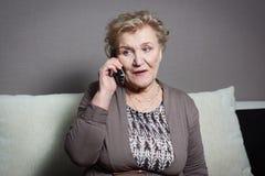 женщина старого телефона говоря Стоковое фото RF