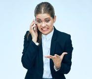 Женщина стресса в деле Бизнес-леди телефона говоря в стрессе Стоковые Фотографии RF