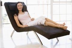 женщина стула сидя сь Стоковое Изображение RF