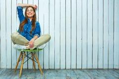 женщина стула сидя сь Стоковое Изображение