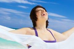 женщина счастливого sarong белая Стоковые Изображения