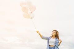 Женщина счастливого asin красивая стоковые фото