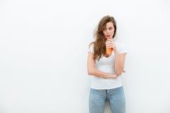 Женщина с апельсиновым соком Стоковое фото RF
